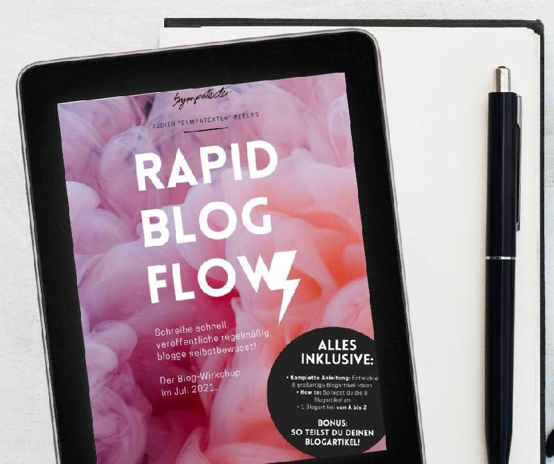 Monatsrückblick Juli 2021: Das Workbook von Rapid Blog Flow auf dem Tablet und mein Notizbuch