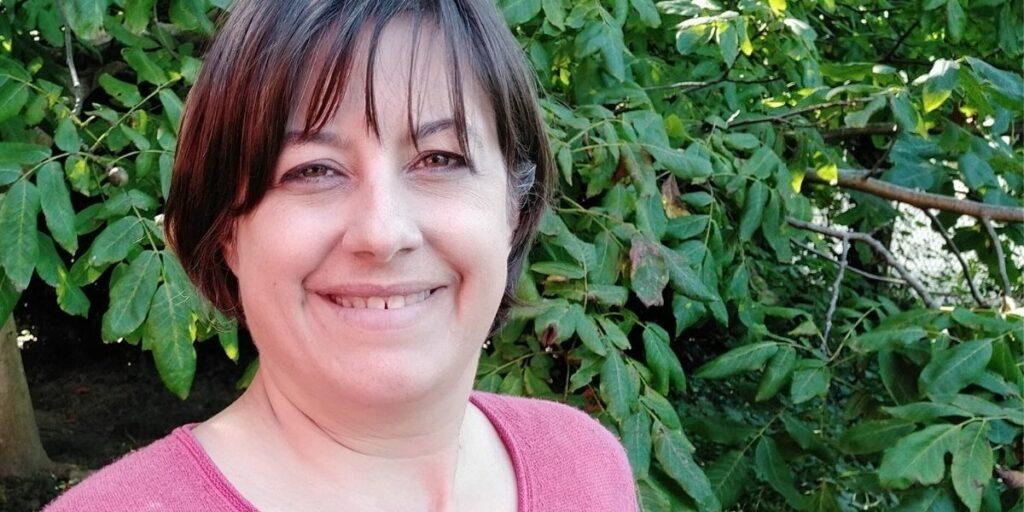 Carolin Gärtner im Grünen (Beitragsbild für meine Bucket List)